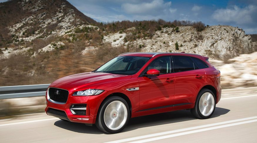 jag_fpace_wcoty_x_design_awards_image_120417_021_crop1492548649491.jpg_1913337537