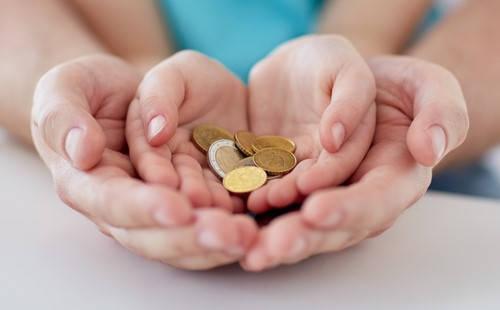 Certificado de Donación dando dinero