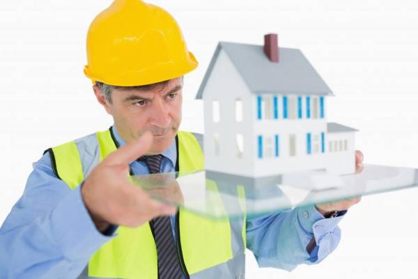 Certificado Segunda Ocupación arquitecto viendo casa