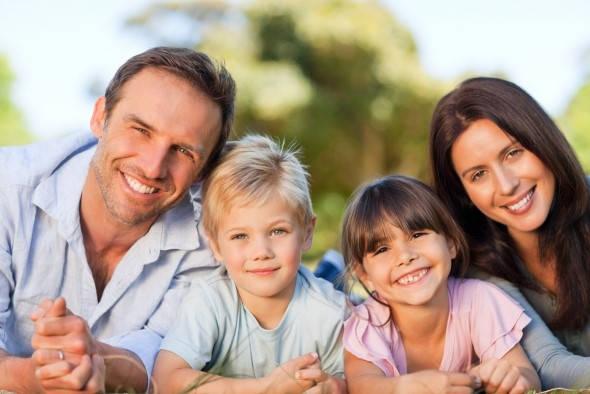 Requisitos para ser familia de acogida foto familiar