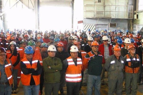 Como saber Convenio Colectivo de mi empresa obreros reunidos